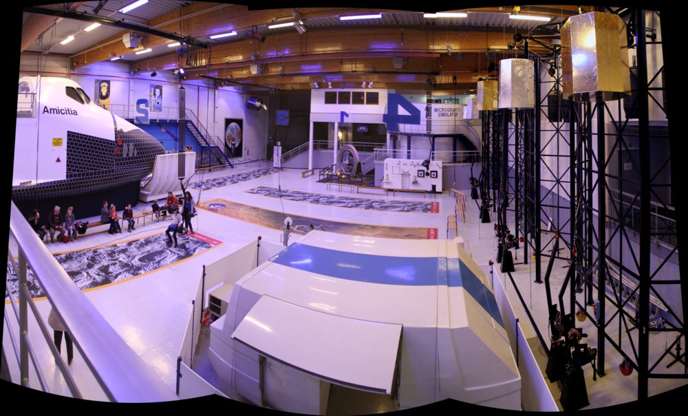 15 02 27 - 14h 21m 28s - eurospace center hall_stitch r