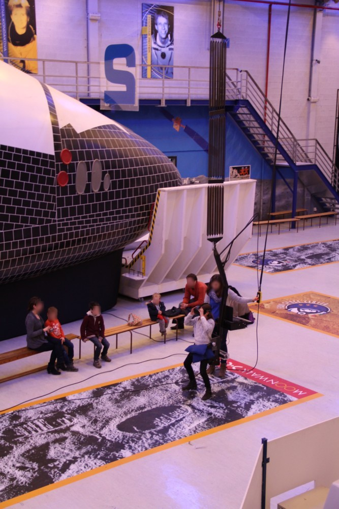 15 02 27 - 14h 21m 38s - eurospace center hall r fl