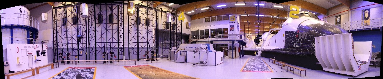 15 02 27 - 20h 37m 50s - Eurospace Center hall_stitch r