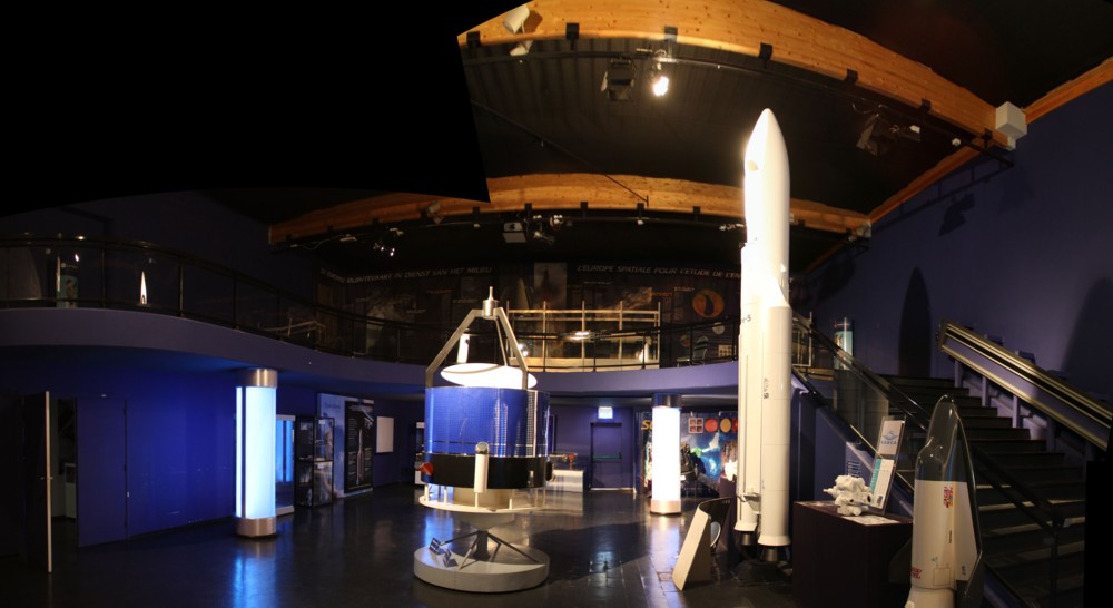 15 02 28 - 09h 01m 30s - Eurospace Center salle Ariane_stitch r