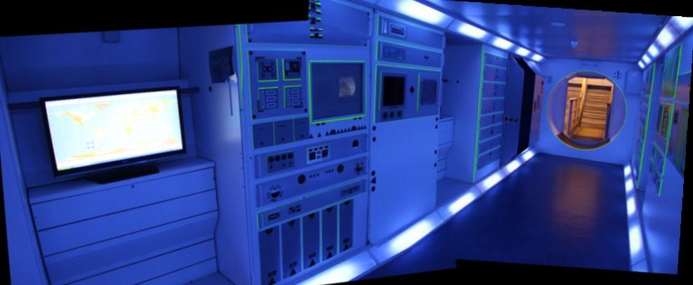 15 02 28 - 09h 40m 06s - Eurospace Center Colombus_stitch r