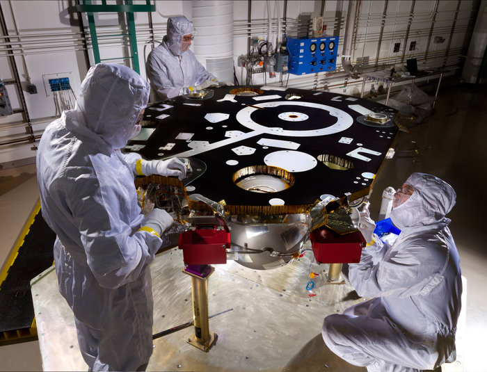 InSight Mars lander in clean room