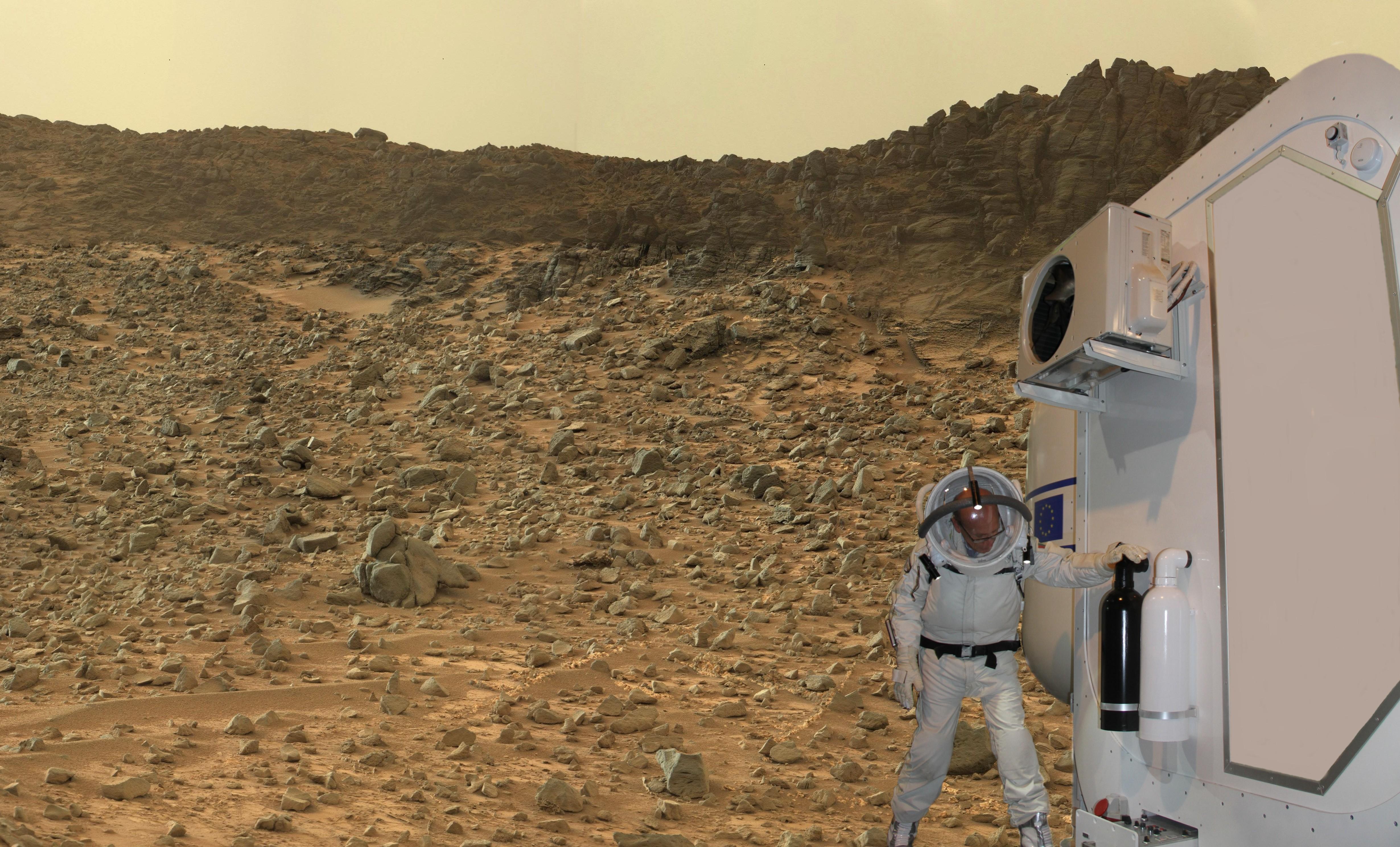 15 07 16 - 15h 44m 46s - scaphandre apm et habitat shee sur Mars