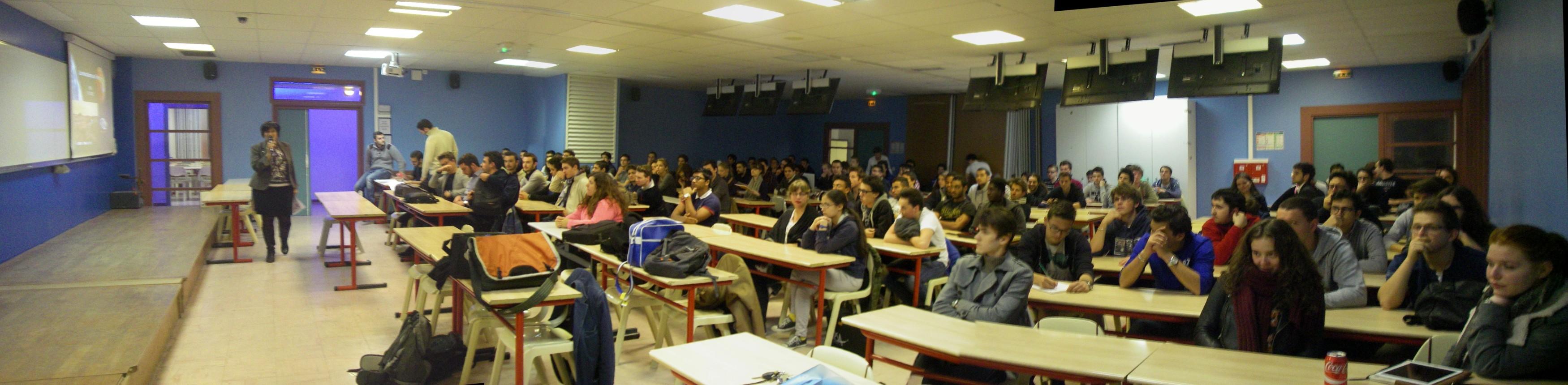 15 10 13 - 18h 35m 02s - Conférence IPSA sur les simulations_stitch