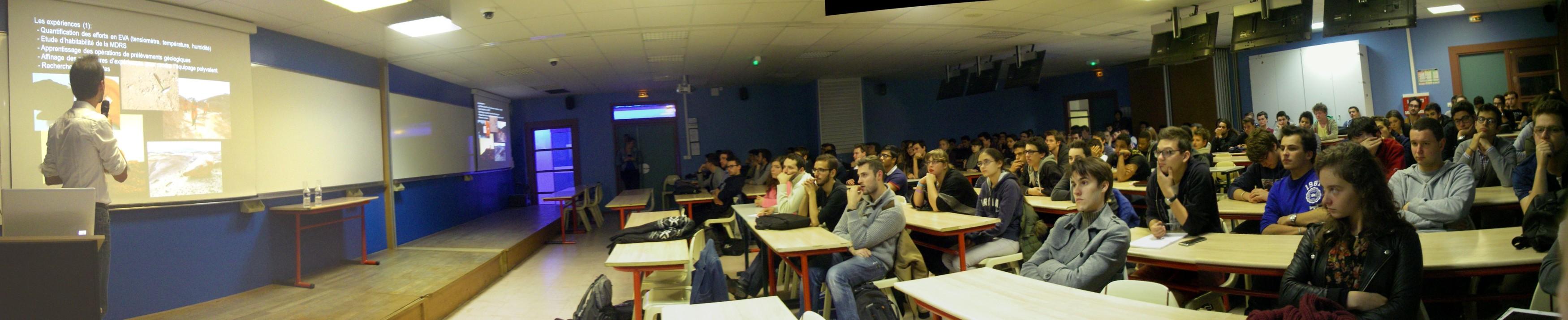 15 10 13 - 19h 06m 36s - Conférence IPSA sur les simulations_stitch (1)