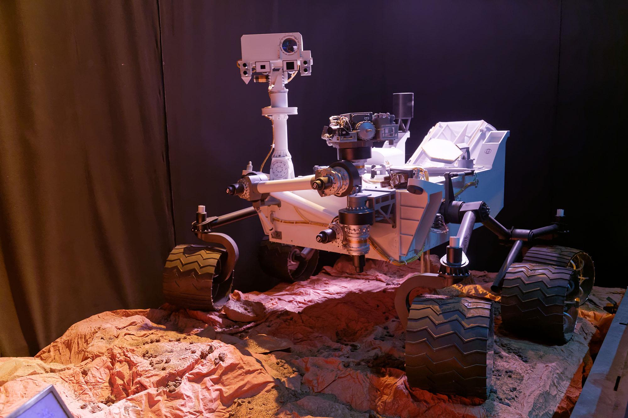 CapSciences-Curiosity_rover