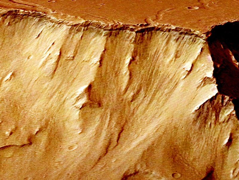 Perspective_view_in_Aurorae_Chaos_Ganges_Chasma détail