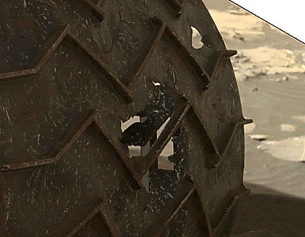 3 12 15 détail roue gauche 2