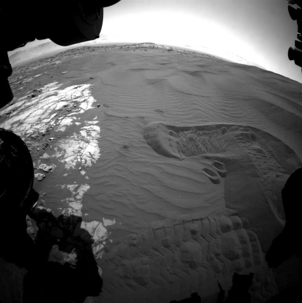 mars-curiosity-rover-sand-dune-bagnold-br2 tr