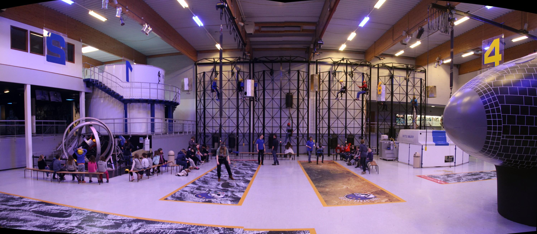 16 03 11 - 11h 25m 38s - ESC visite dont expo Lune_stitch r