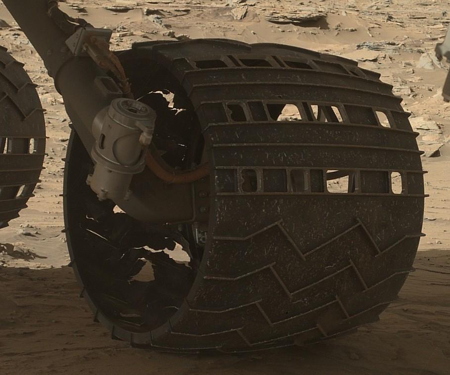 16 03 20 roue médiane gauche