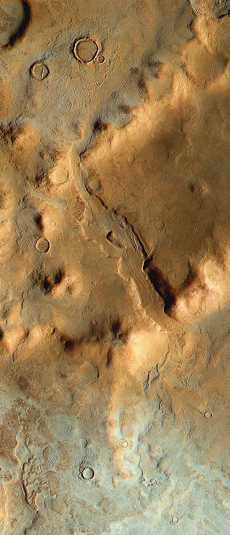 Hellas_Basin_rim détaila