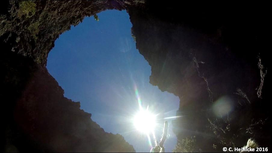 16 07 17 caméra dans trou