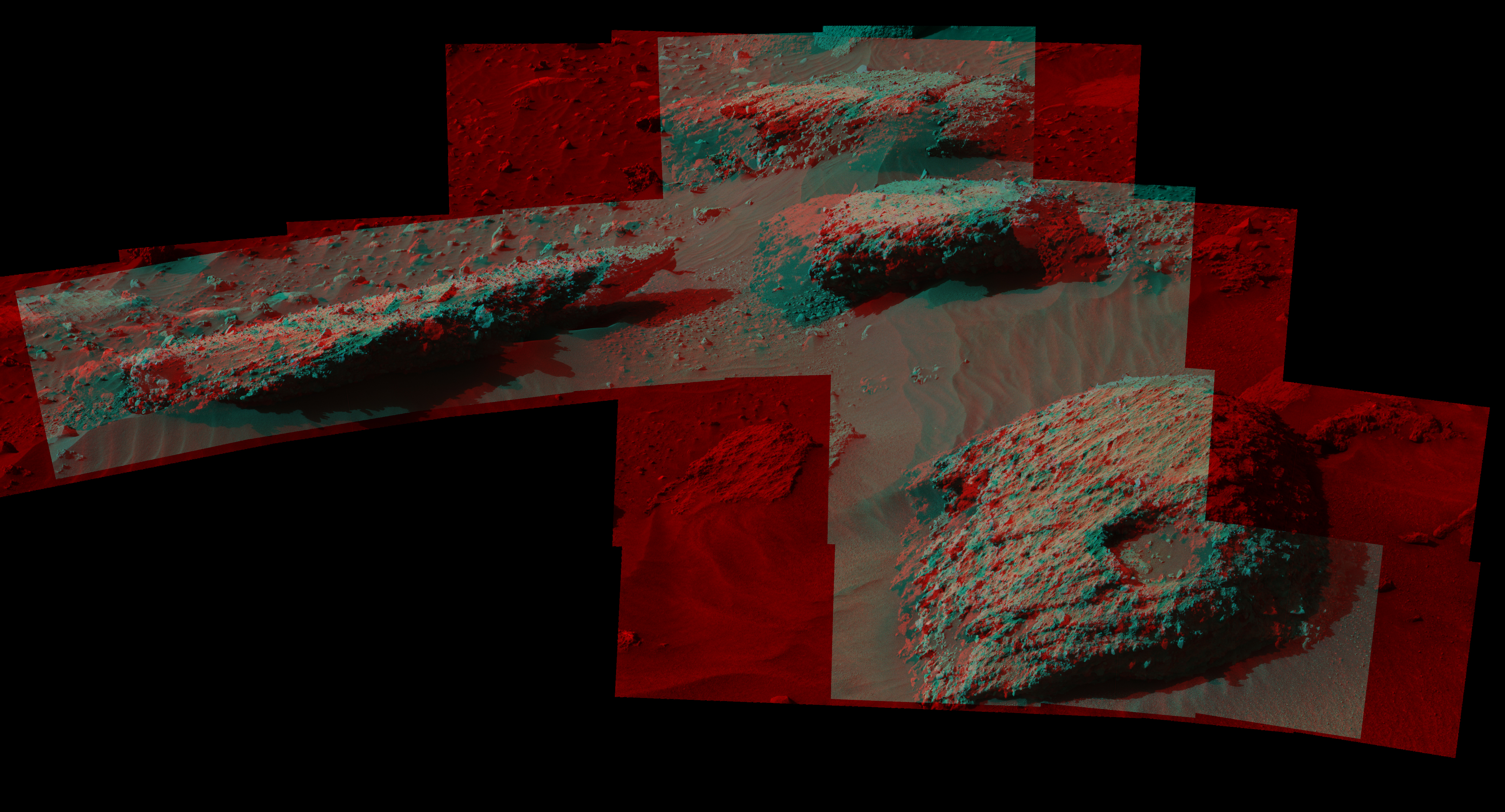 16 07 22 mars-rover-mount-sharp-boulders-PIA20836-full (1)