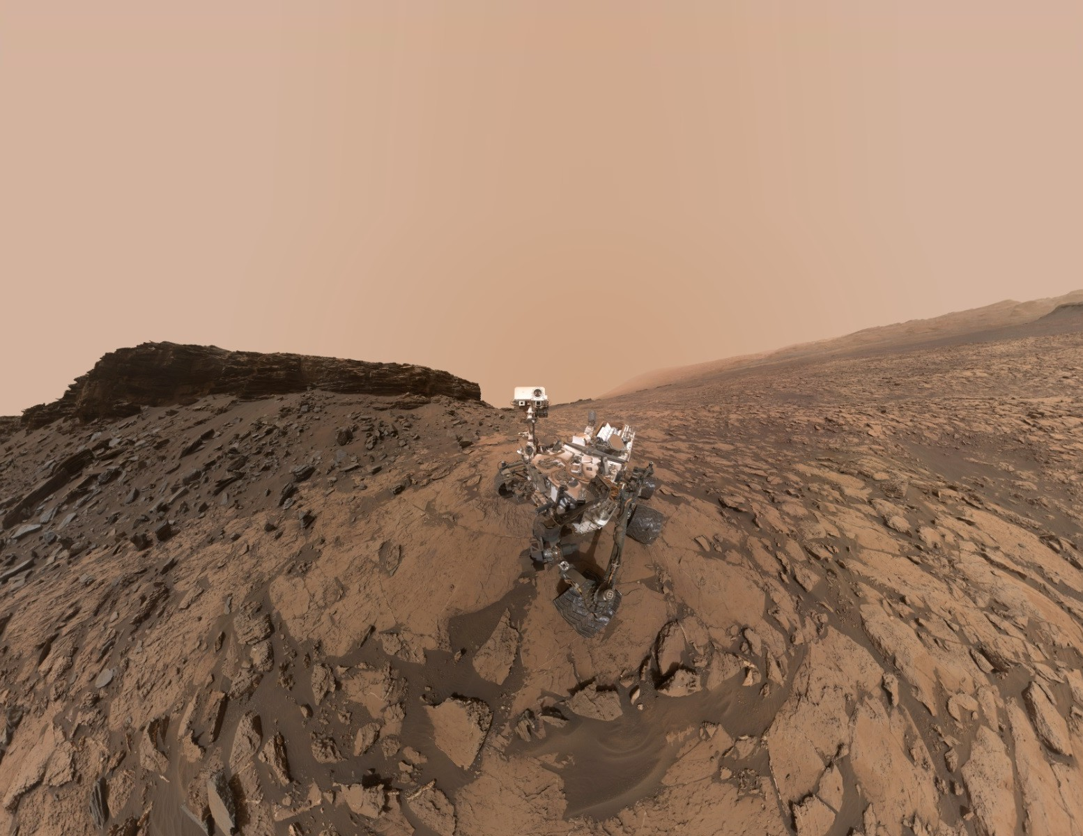 msl-curiosity-murray-buttes-selfie-pia20844-r