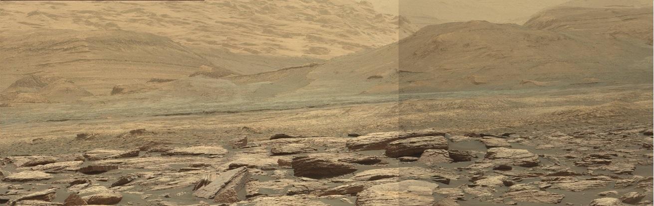 Zoom (montage de 3 photos NASA), NASA/JPL-CalTech/MSSS